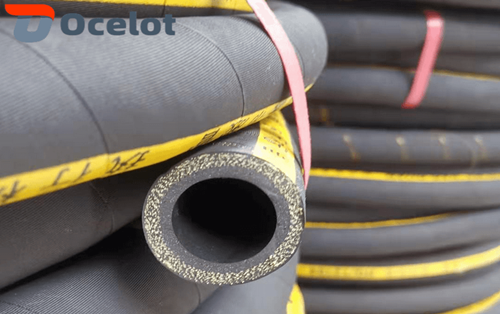High pressure steam hose is mainly used for conveying 165℃ ~ 220℃ saturated steam or superhot water, suitable for steam sweepers, steam hammer, plate vulcanizing machine, injection molding machine and other hot pressing equipment as soft pipeline.