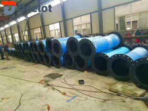 There are mainly large diameter mud suction hose and discharge pipes, steel flange type mud discharge pipes, flamed type mud discharge pipes, flexible flange type mud discharge pipes and so on, among which the most common is large diameter mud suction and discharge pipes.